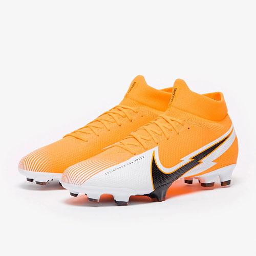 Sconti saldi abbigliamento Scarpe calcio calcetto indoor Nike Joma Adidas Puma