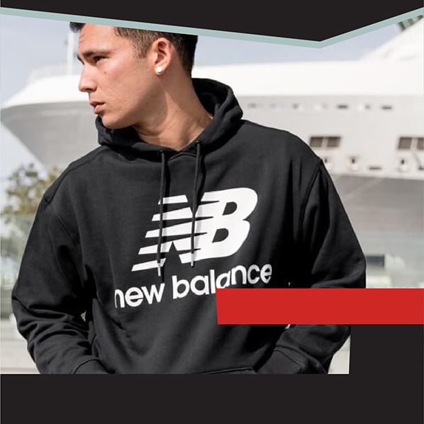 Felpa New Balance ESSENTIALS STACKED